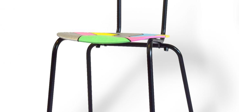 Redesign by CeeDesign skolestol med masser af farver. Håndtegnet.