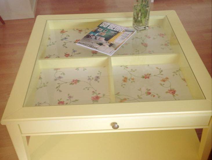 redesignet bord fra Ikea. Romantisk, men også farverigt. CeeDesign